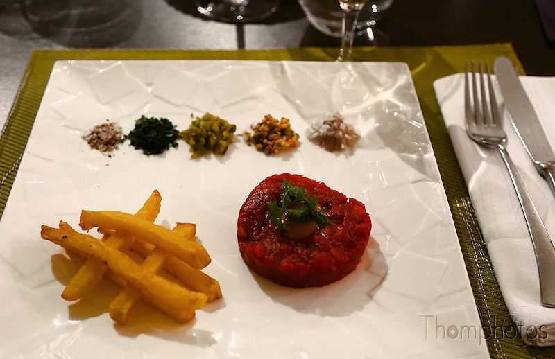 cuisine plat repas nourriture manger eat cooking steak tartare raw meat boeuf cow resto restaurant