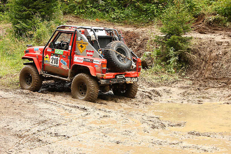 RC voiture véhicule radiocommandé radio-guidé radio drone tamiya traxxas axial SX10 4x4 tout terrains 1/10 électrique scale land rover jeep eau boue mud water crawler expédition defender 90 camel trophy en route pour l'aventure banga virus trial chatel outback patrol import