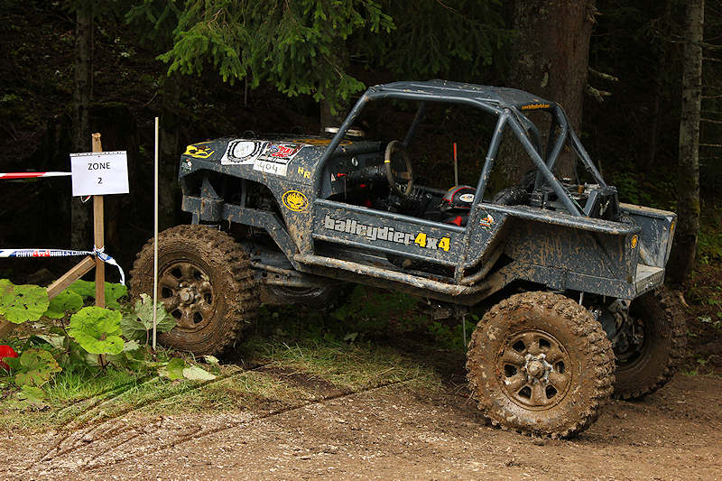 RC voiture véhicule radiocommandé radio-guidé radio drone tamiya traxxas axial SX10 4x4 tout terrains 1/10 électrique scale land rover jeep eau boue mud water crawler expédition defender 90 camel trophy en route pour l'aventure banga virus trial chatel balleydier