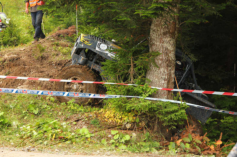 RC voiture véhicule radiocommandé radio-guidé radio drone tamiya traxxas axial SX10 4x4 tout terrains 1/10 électrique scale land rover jeep eau boue mud water crawler expédition defender 90 camel trophy en route pour l'aventure banga virus trial chatel balleydier hardcore