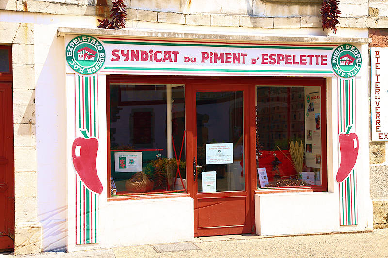reportage pays basque france village espelette piments ezpeleta syndicat
