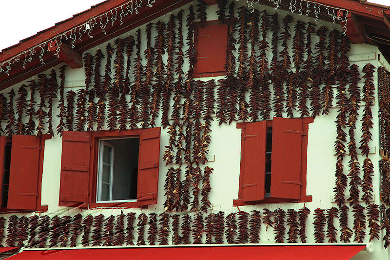 Thomas avenard uldry photographe - Maison close pays basque ...