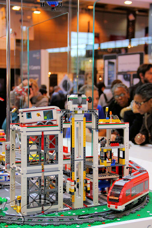 reportage 2012 france paris salon de la photo hall expo exposant stand samsung lego ville train test matériel