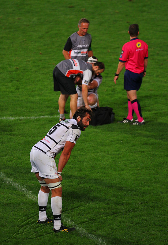 reportage 2013 sport rugby blessure infirmier médecin sportif christian fréchinos balle ballon ovale équipe CAB CABCL Centre Athlétique Briviste UBB Union Bordeaux Bègles stade de brive match saison top 14 france touche