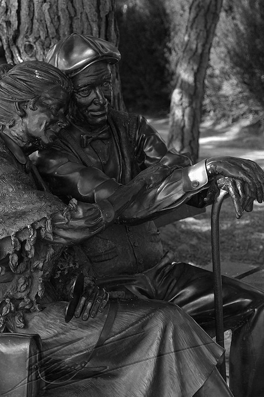 reportage 2013 usa USA Amérique america murika US californie carmel monterey 17 miles drive road route statue iron fer bronze métal couple amoureux vieux old lovers