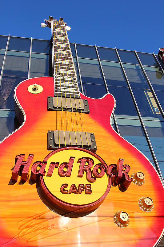 reportage 2013 usa USA Amérique america murika US nevada las vegas sin city la cité du péché pêché casino machine à sous slot bandit manchot one-handed money dollars strip guitare géante giant hard rock café coffee