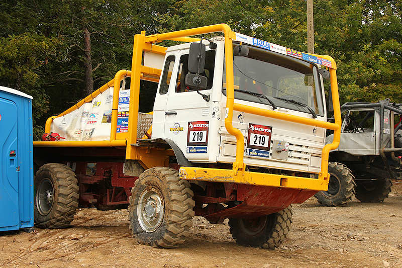 reportage 2014 finale trial 4x4 pers jussy france nationnal serie super serie proto voiture car boue terrain mud outdoor renault camion truck jaune yellow