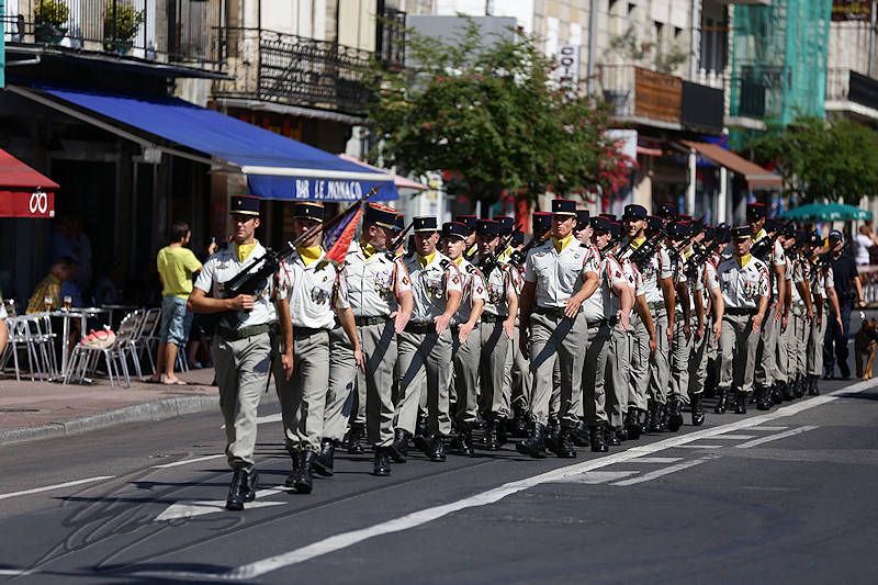 reportage 2015 france corrèze malemort sur corrèze brive la gaillarde fête nationale fest festival défilé walkthrough walk 14 juillet july the 14th 1789 soldats soldier 126 126RI Régiment d'infanterie armée army french française place de la guierle avenue de paris militaire